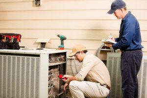 AC-technicians-repair